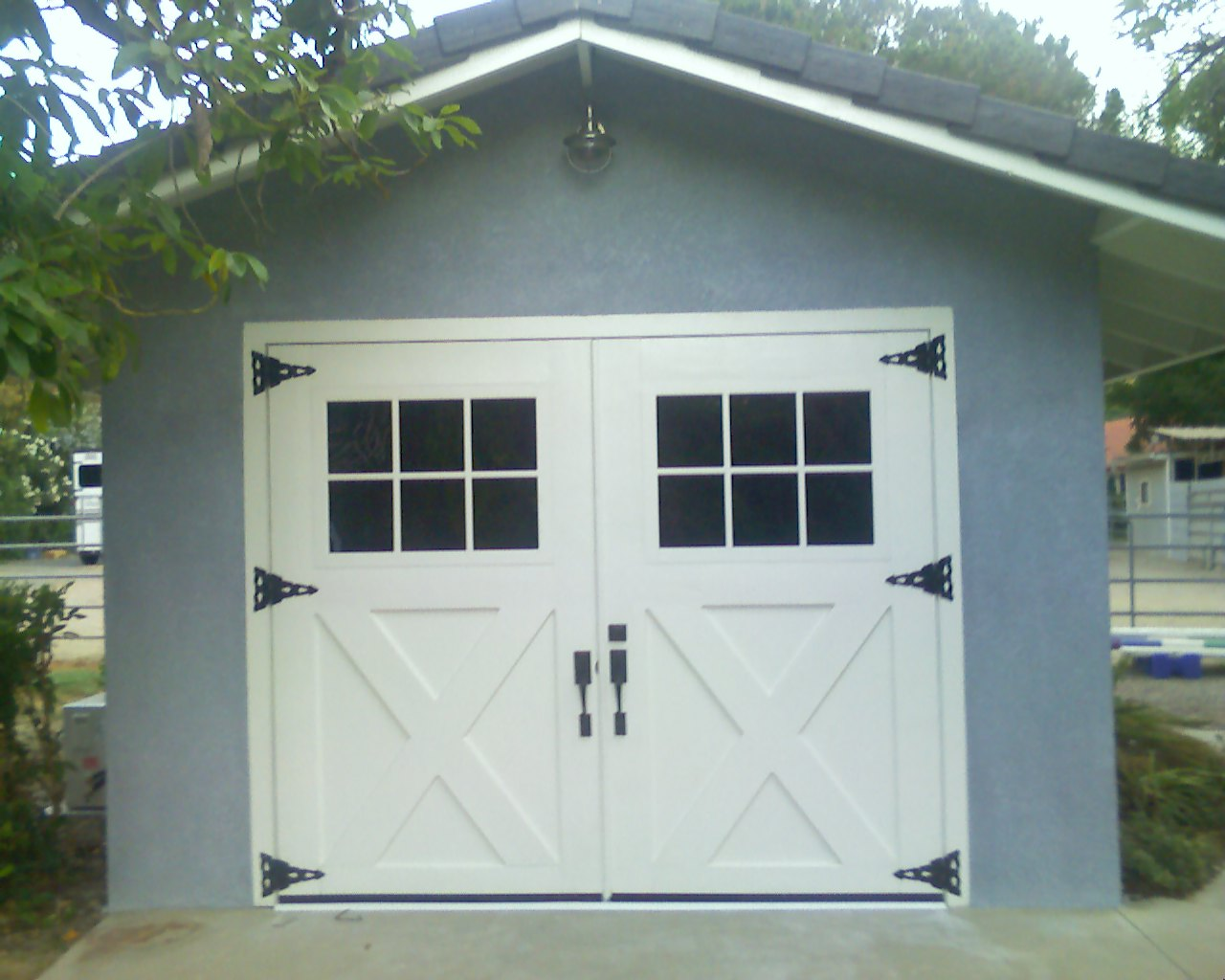 Barn Carriage House Garage Doors 1280 x 1024
